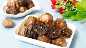Chế biến tỏi đen và các món ăn bổ dưỡng phòng chống dịch corona